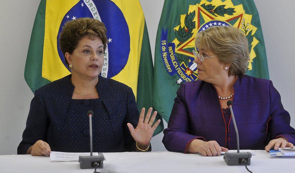 Dilma recebe a diretora-executiva da ONU Mulheres, Michelle Bachelet, às 10h, no Palácio do Planalto. Na ocasião, ela vai entregar oficialmente à presidenta a versão em português do relatório Um piso de proteção social para uma globalização equitativa e i