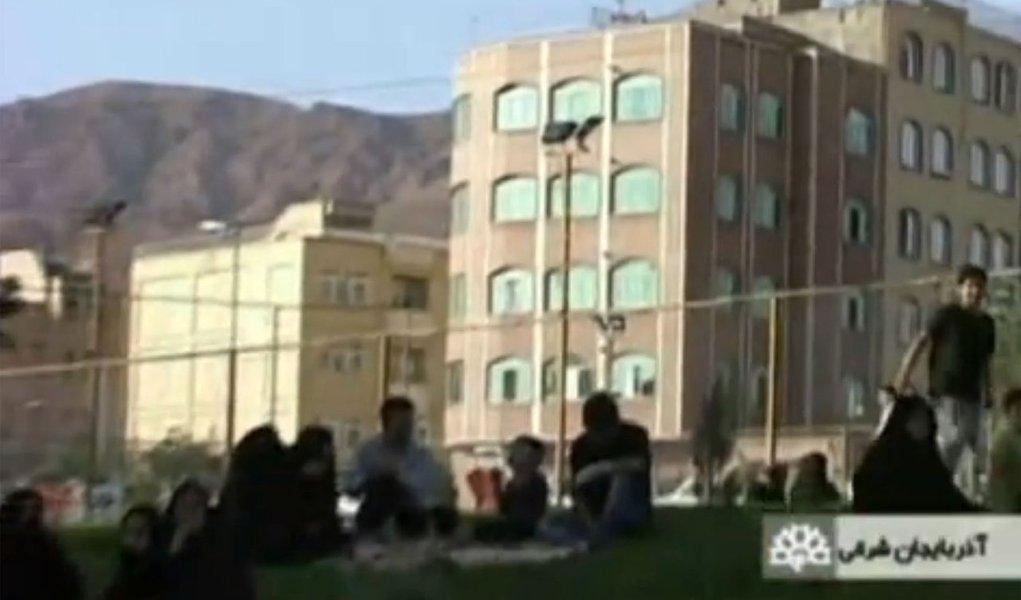 Terremotos no Irã matam 180 pessoas