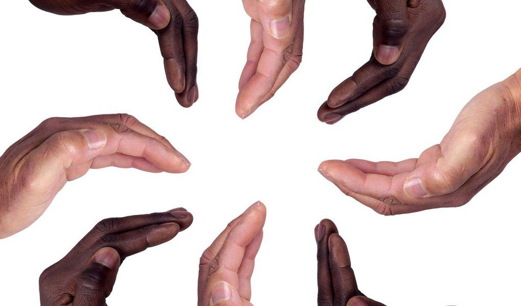 Estadão critica cotas para negros em universidades