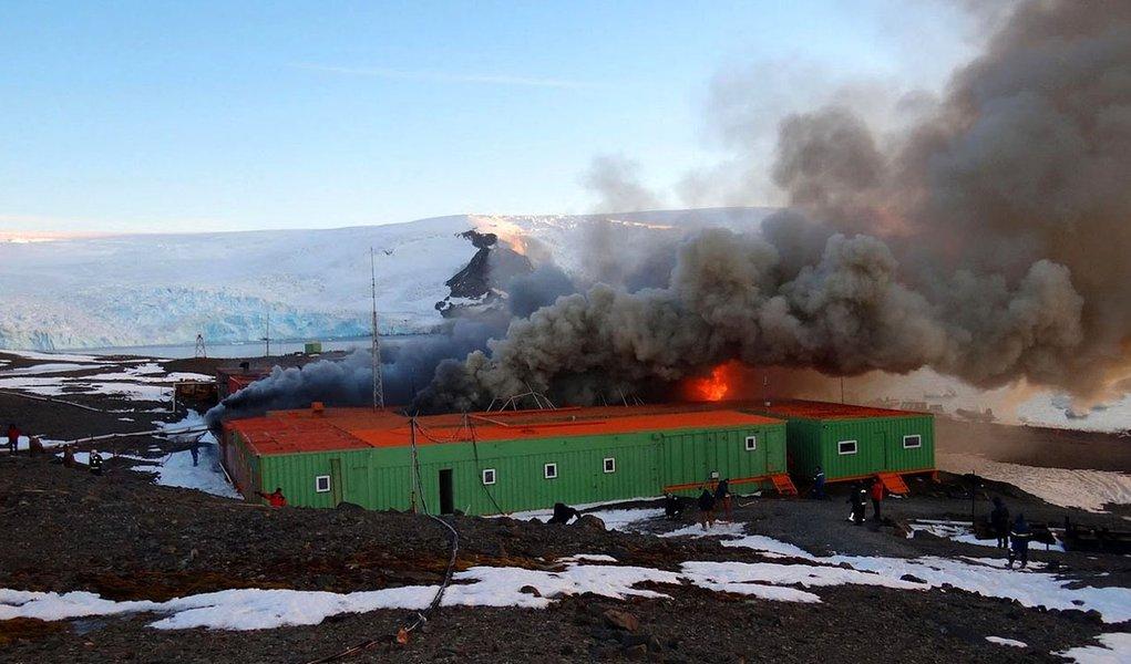 Remoção de escombros da Estação Comandante Ferraz volta em novembro