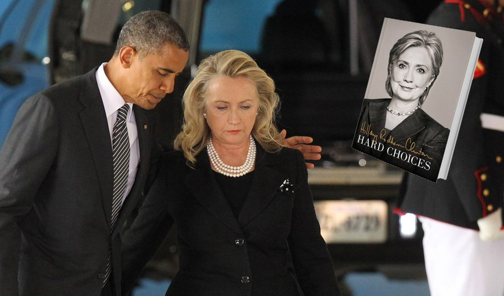 epa03398097 US President Barack Obama (C-L) and Secretary of State Hillary Clinton (C-R) walk away from the podium during the Transfer of Remains Ceremony marking the return to the United States of the remains of the four Americans killed this week in Ben