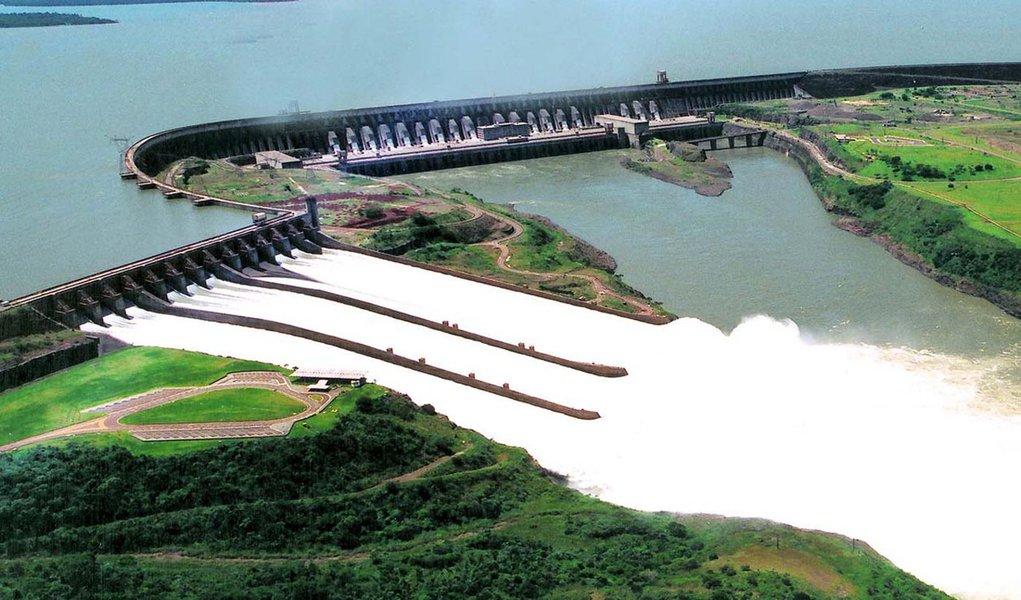 Franco: Paraguai deixará de ceder energia a Brasil e Argentina