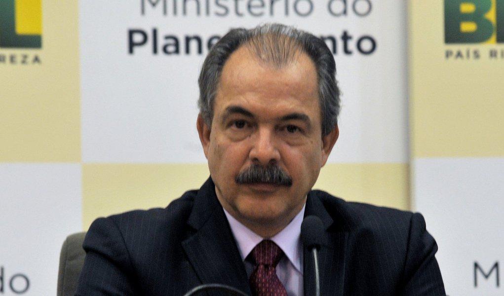 Mercadante propõe pacto nacional pela educação
