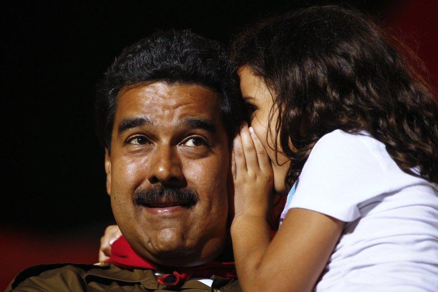 Maduro deve ser eleito com margem estreita