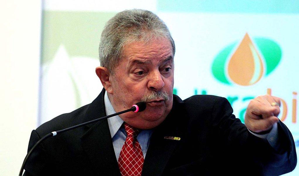 Lula não quer saber do julgamento do mensalão