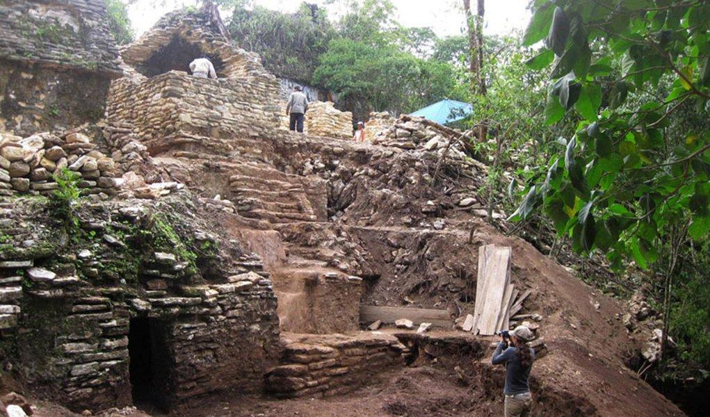 Teatro maia de 1.200 anos é descoberto no México