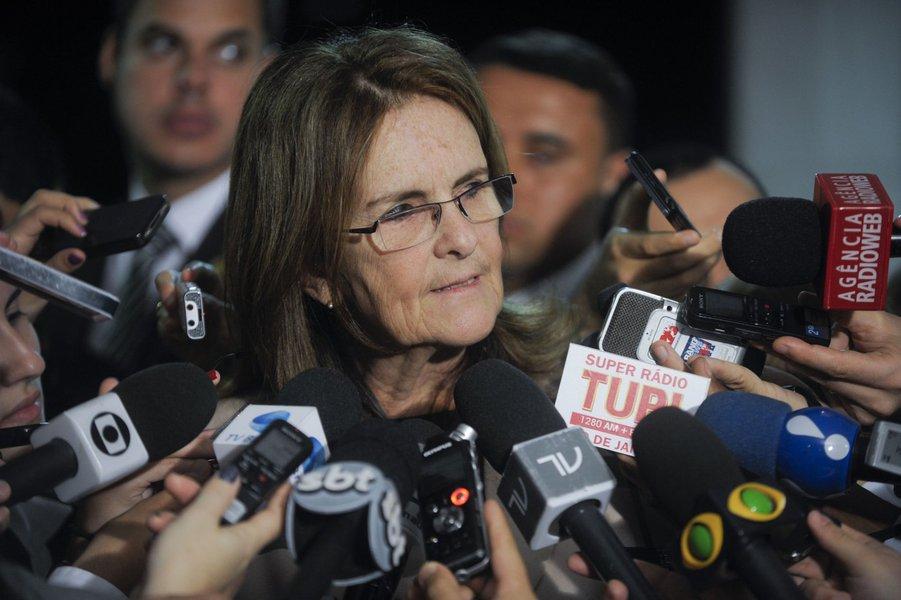 Presidente da Petrobras, Graça Foster concede entrevista após participar de sessão do Congresso em comemoração aos 60 anos da empresa