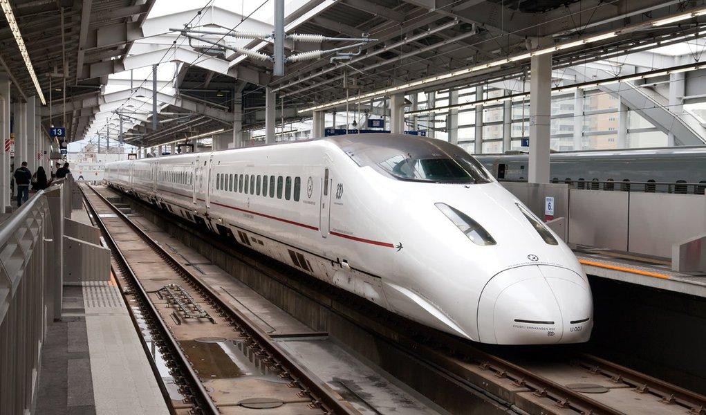 Leilão do trem-bala é marcado para maio de 2013