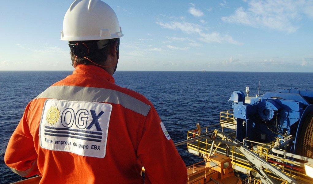 Visita a Plataforma Ocean Quest na Bacia de Campos . Taxa de sucesso de 100% nos 29 pocos perfurados na Bacia de Campos (RJ)  Success rate of 100% in 29 wells drilled  in Campos Basin, in Rio