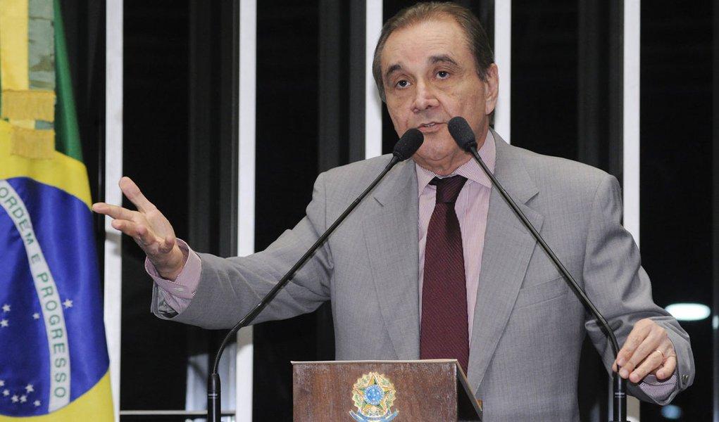 Agripino: Petrobras é usada para conter artificialmente a inflação