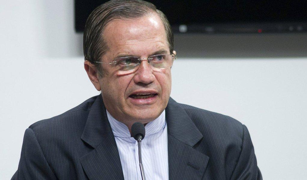 Equador convoca organizações para discutir ameaça britânica
