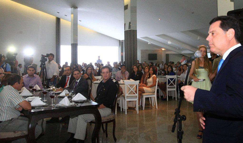 Marconi comemora resultados de Goiás no Ideb