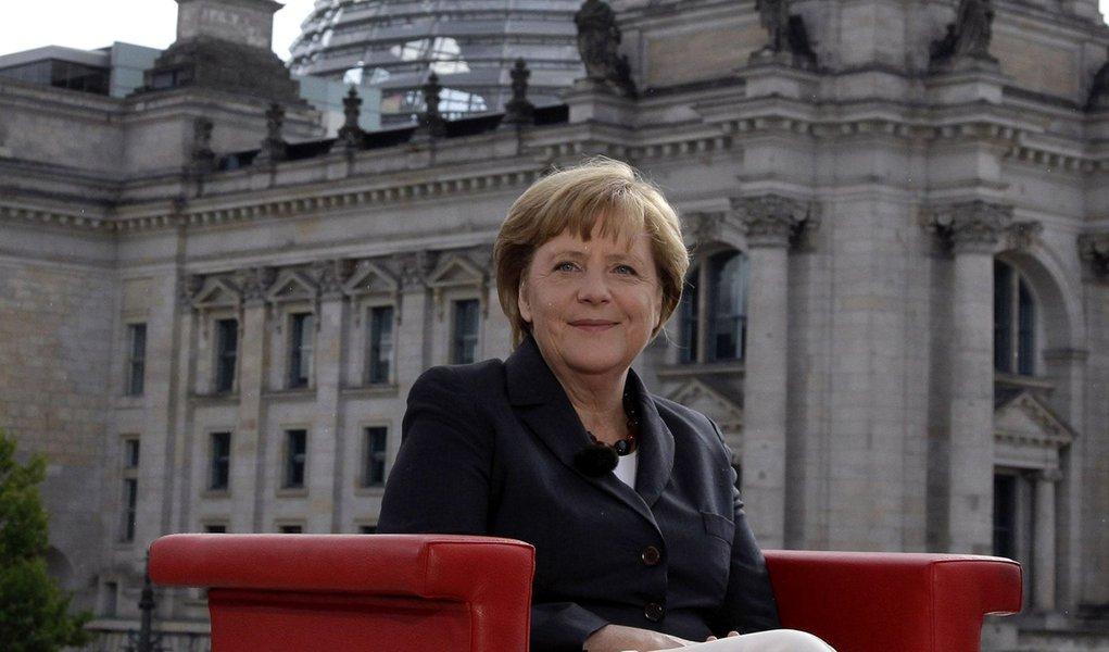 Merkel avisa: BC alemão deve mandar no BC europeu