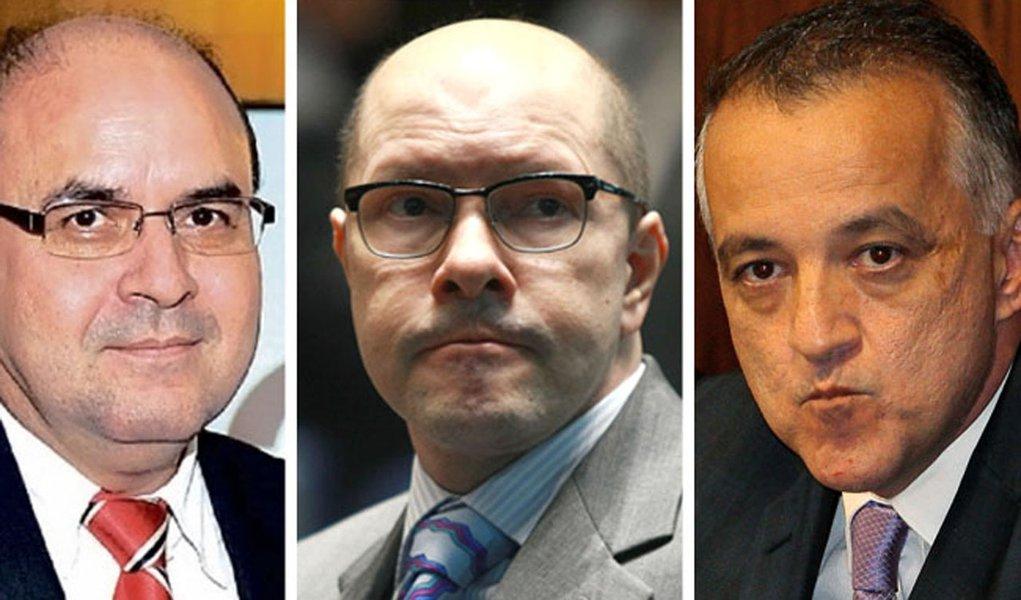Relatório da PF liga chefe do MP goiano a Demóstenes e Cachoeira