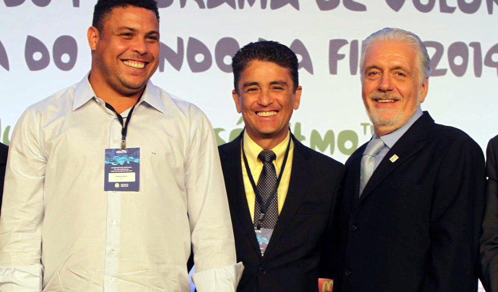Ronaldo destaca voluntariado para Copa