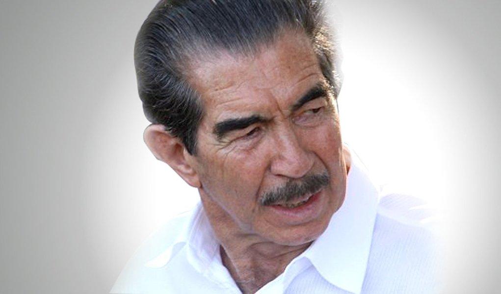 Constantino ganha liberdade em aniversário de 81 anos