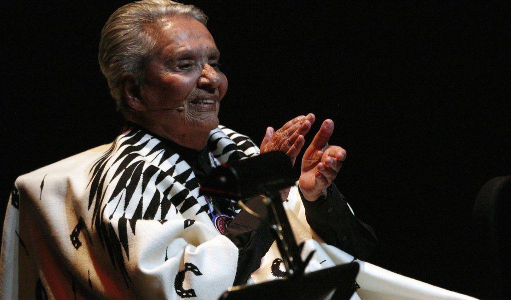 Cantora mexicana Chavela Vargas morre aos 93 anos