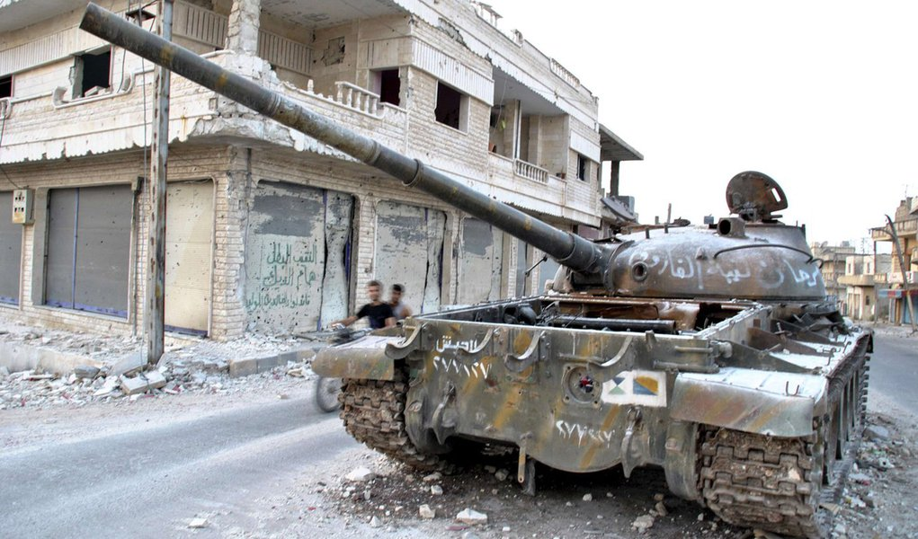 França quer reunião urgente no Conselho de Segurança por Síria