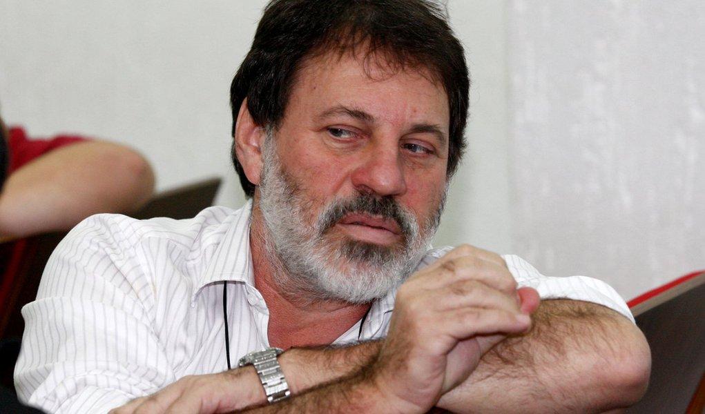 Réu em Brasília, Delúbio perde emprego em Goiás