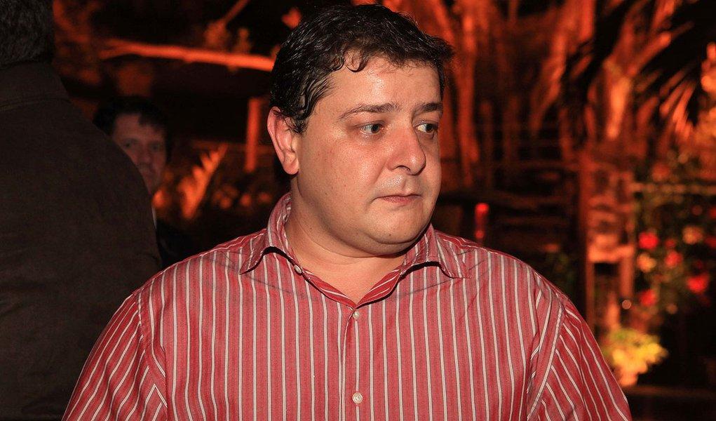 SÃO PAULO, SP, 31.05.2010: MÔNICA BERGAMO/ ANIVERSÁRIO ORLANDO SILVA - Fábio Luis, filho do presidente Lula, no aniversário do ministro dos Esportes, Orlando Silva. (Foto: Greg Salibian/Folhapress)