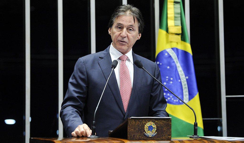 Senador Eunício Oliveira (PMDB-CE) faz balanço de suas atividades no ano