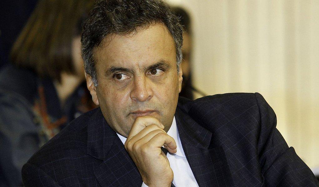 BRASÍLIA, DF, 21.08.2013: CCJ/SENADO - O senador Aécio Neves participa de sessão da Comissão de Constituição e Justiça do Senado Federal. (Foto: Alan Marques/ Folhapress)