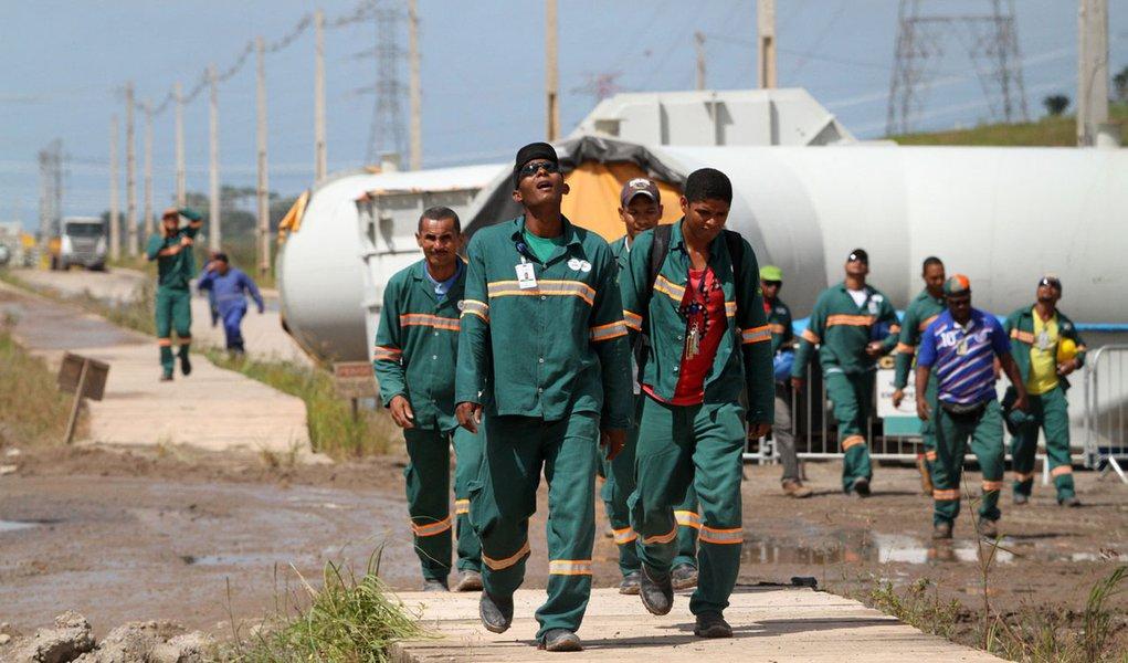 Mais de mil são demitidos por tumulto em Pernambuco