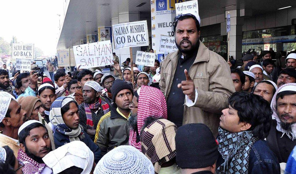 Rushdie: governo indiano não permitiu ida a Calcutá