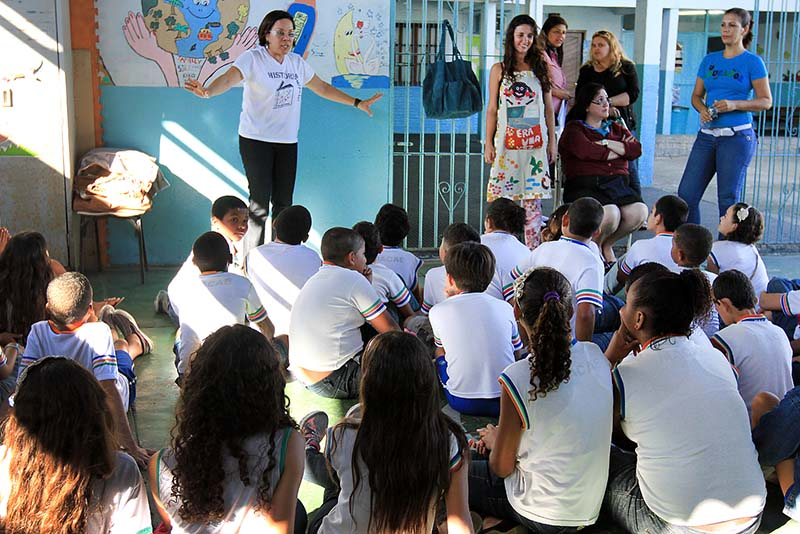 'Contação de histórias' retorna à rede municipal na volta às aulas