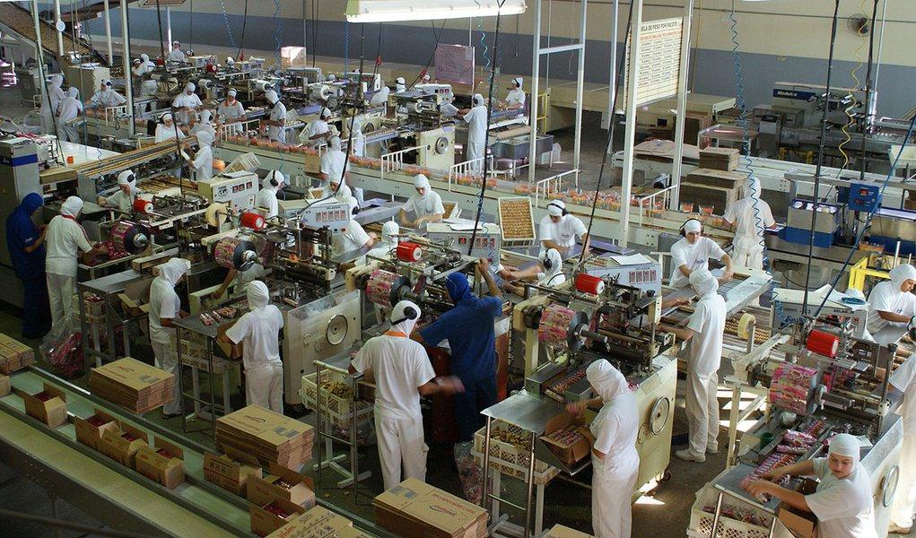 Goiás lidera geração de empregos em fevereiro