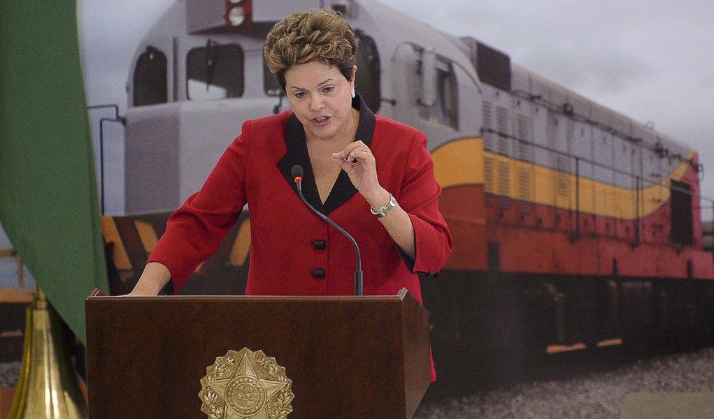 Dilma nega que plano de concessões seja privatização