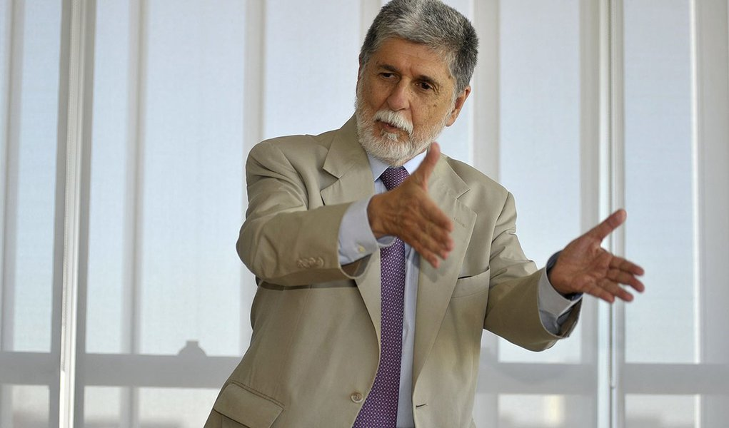 Celso Amorim manda mensagem a Lula neste 1º de Maio
