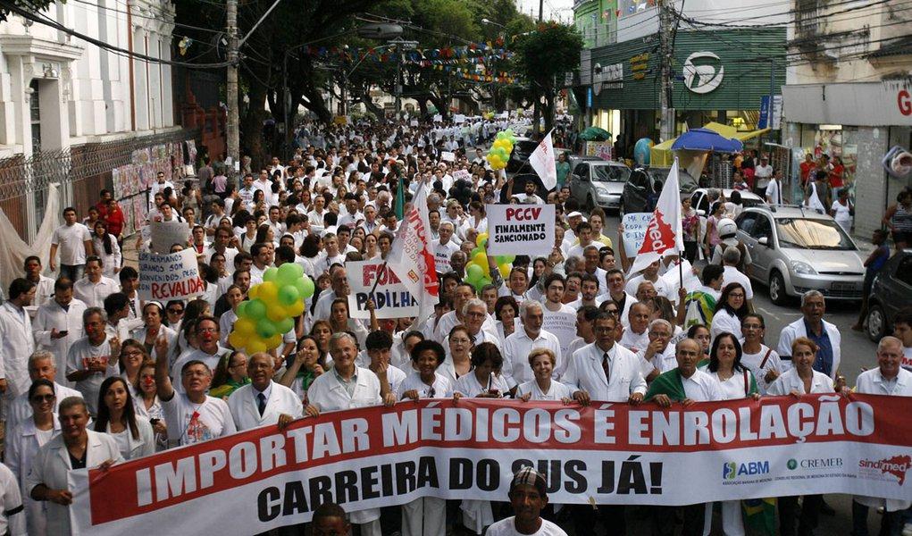 Médicos farão protestos em pelo menos 13 estados