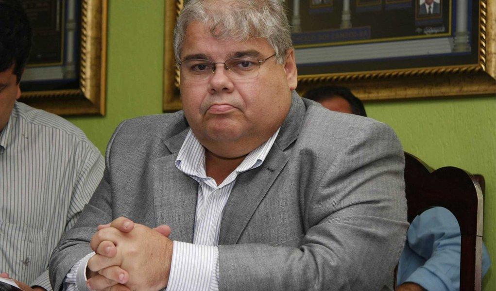PMDB rejeita intriga por ausência na posse de ACM