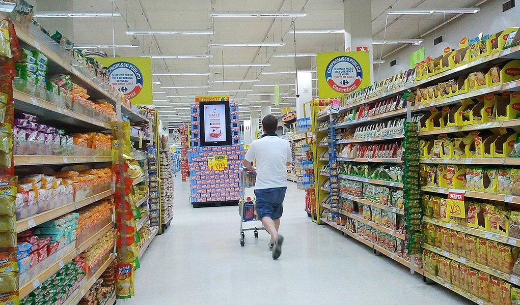Vendas em supermercados crescem 9,65% em março