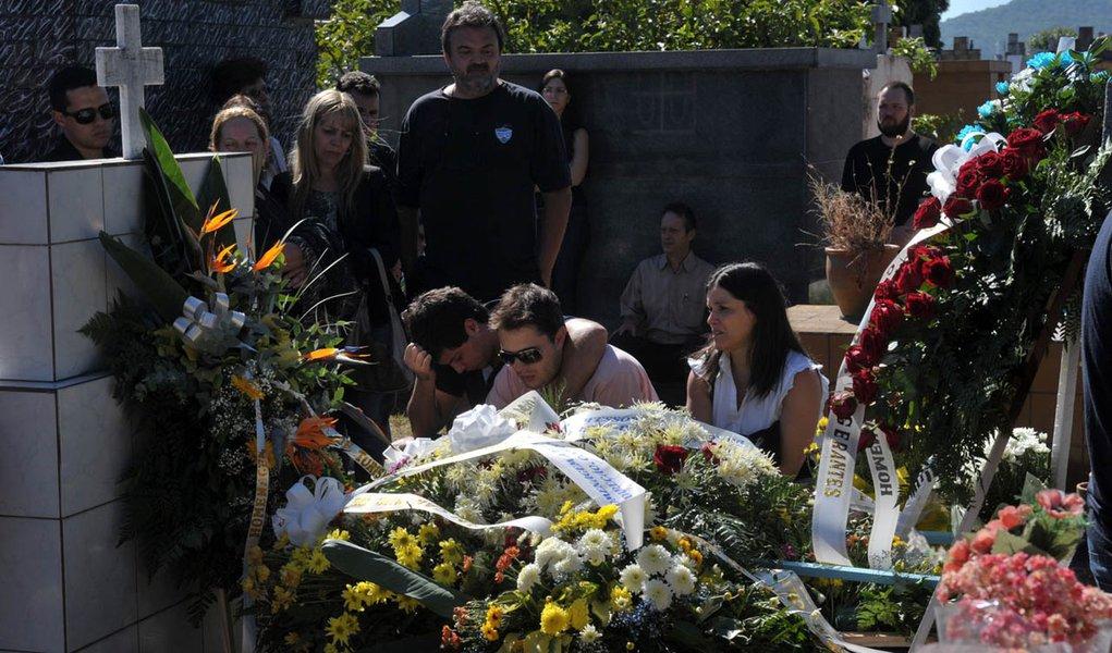 Corrigido, número de mortos em boate sobe para 234