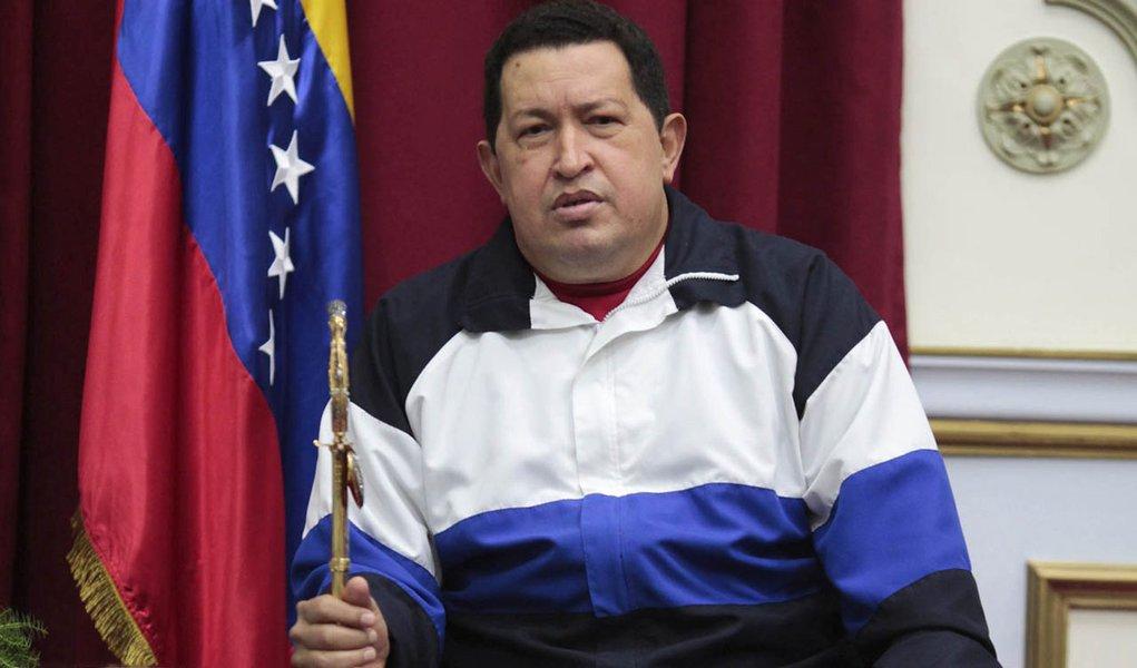Genro de Chávez diz que presidente está estável