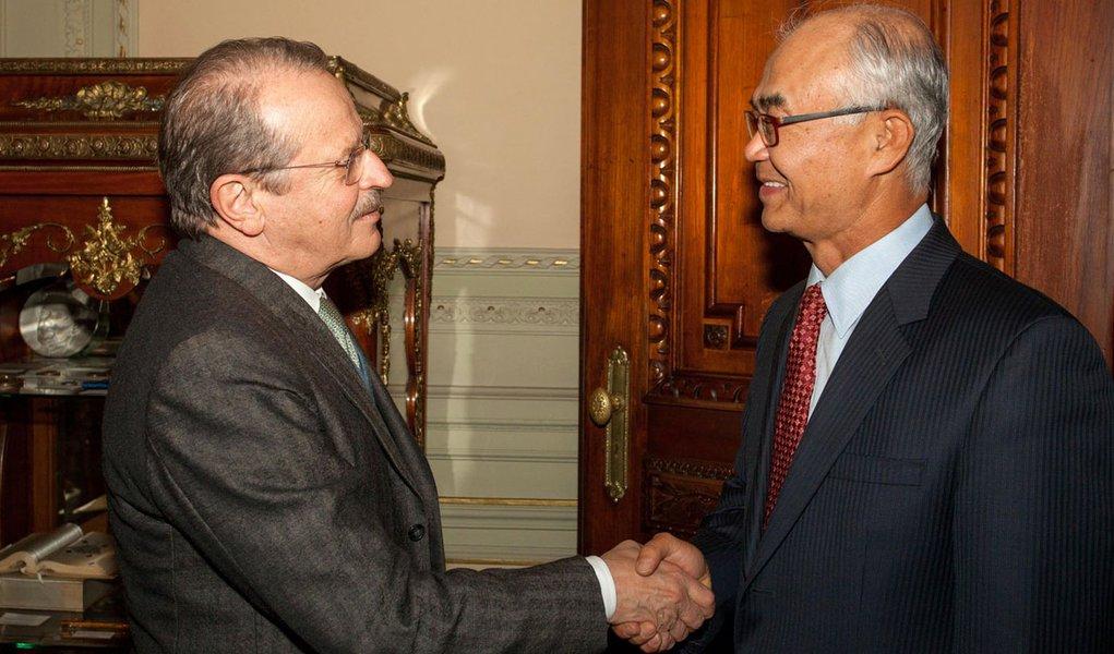 Tarso recebe embaixador da Coreia do Sul no Brasil