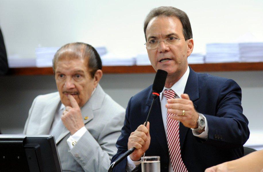 """Décio Lima: """"está em curso o desmonte do Estado Democrático de Direito"""""""