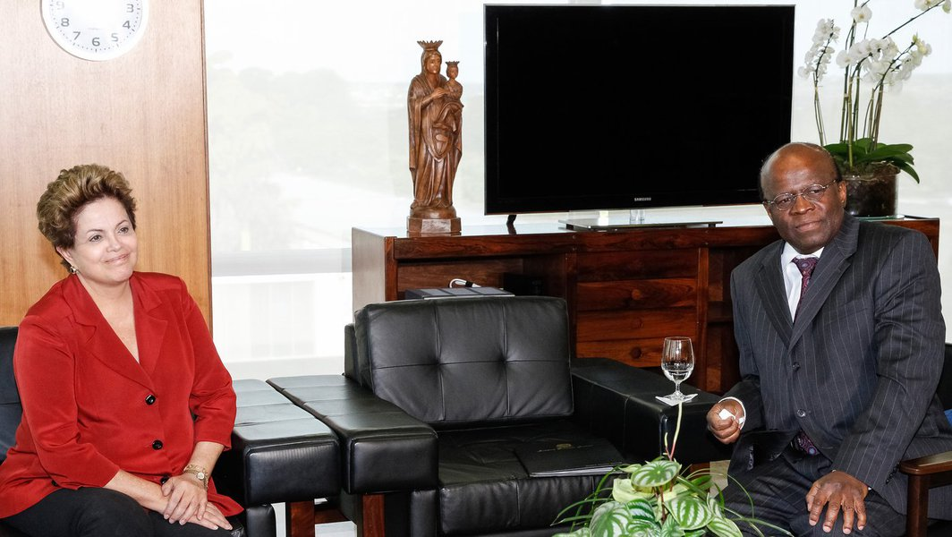 Dilma volta a discutir reforma com Barbosa