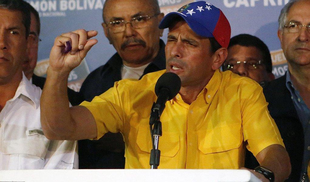 Capriles acusa Maduro de querer matá-lo com ataque a bomba