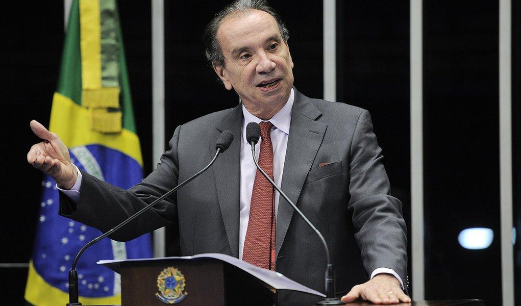 Aloysio: há contradição no controle da inflação