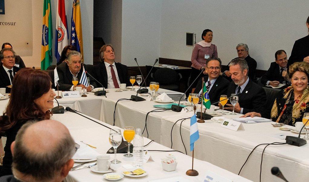 Dilma irá à posse do presidente eleito do Paraguai