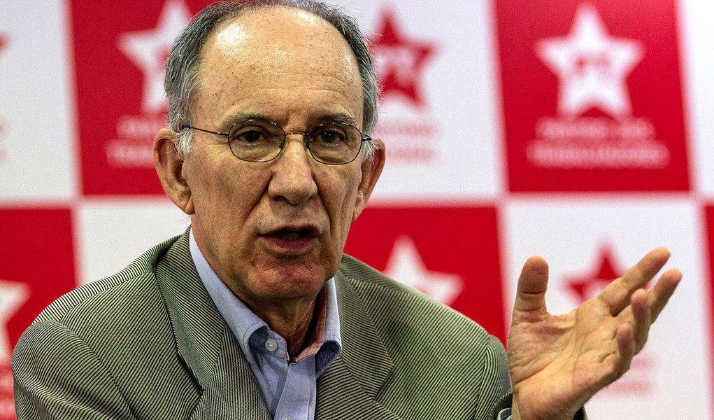 Depois de protestos, Rui Falcão defende candidaturas de oposição