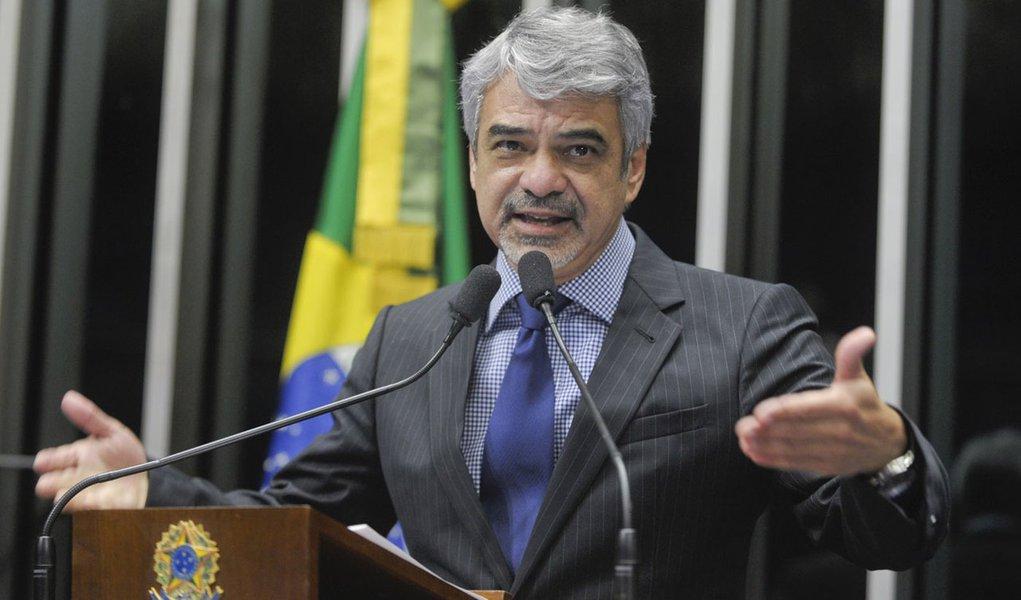Em discurso na tribuna do Senado, senador Humberto Costa (PT-PE)