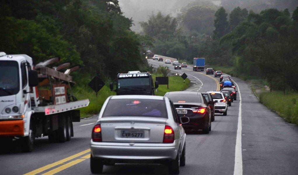Número de mortes nas estradas de SP cai 44% no feriado