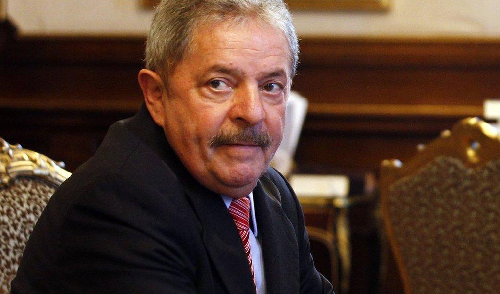 """Imóveis listados pelo """"Financial Times"""" nunca foram de Lula"""