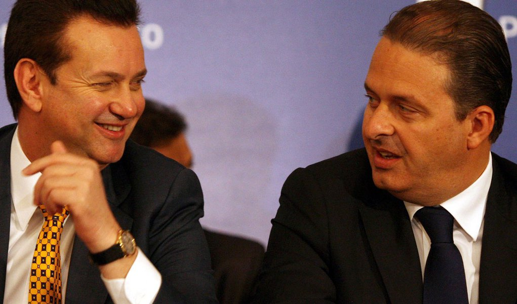 Eduardo Campos sonda o apoio de PSD de Kassab