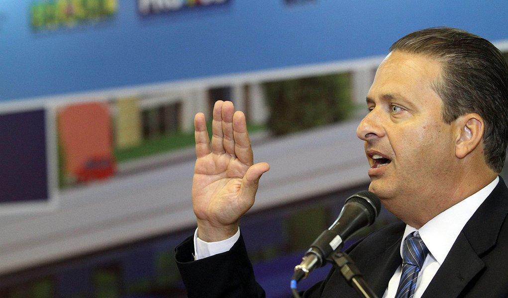 "Campos testa slogan com foco na ""novidade"""