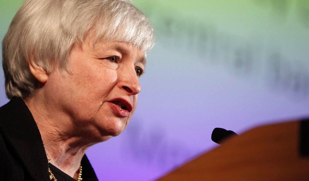 Banco Central dos EUA sobe juros e previsão de crescimento do PIB